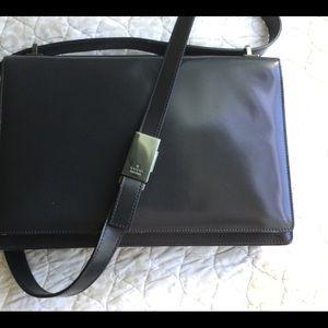 GUCCI Vtg Black Patent Leather Handbag Pocketbook